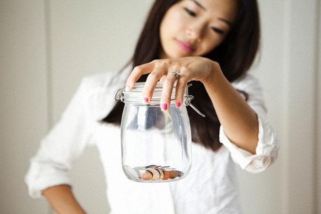 mẹ đơn thân lo lắng về tài chính