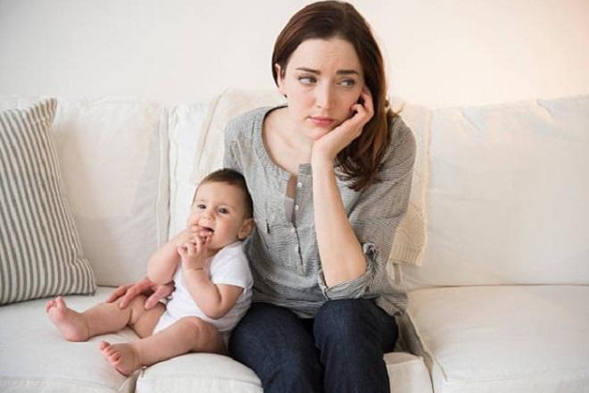 mẹ lo lắng nghĩ cách giảm vòng 3 sau sinh