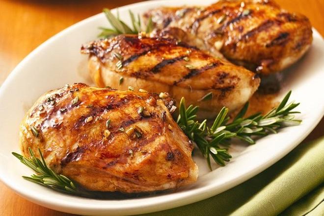 Món ức gà nướng ăn giảm cân