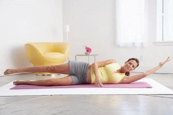bài tập thể dục cho bà bầu 4 tháng với tư thế quả chuối
