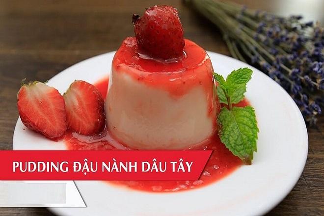 bánh pudding dâu tây xốt đậu nành