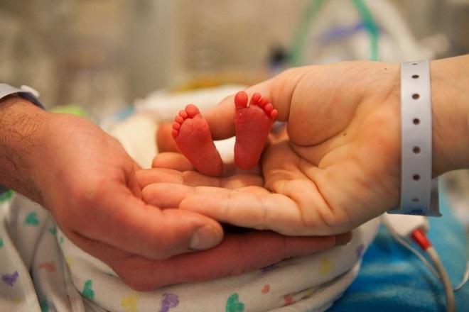 bé chào đời khi chưa đủ 37 tuần được xem là sinh non