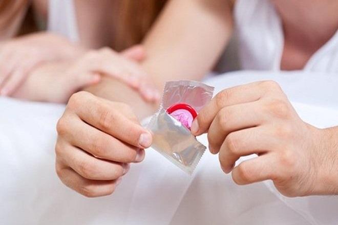 có nên dùng bao cao su khi mang thai không