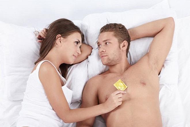 dùng bao cao su quan hệ khi mang thai tháng thứ 7