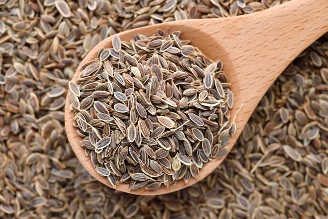 hạt thì là giúp ngực săn chắc sau sinh