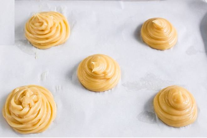 học cách làm bánh su kem trứng muối