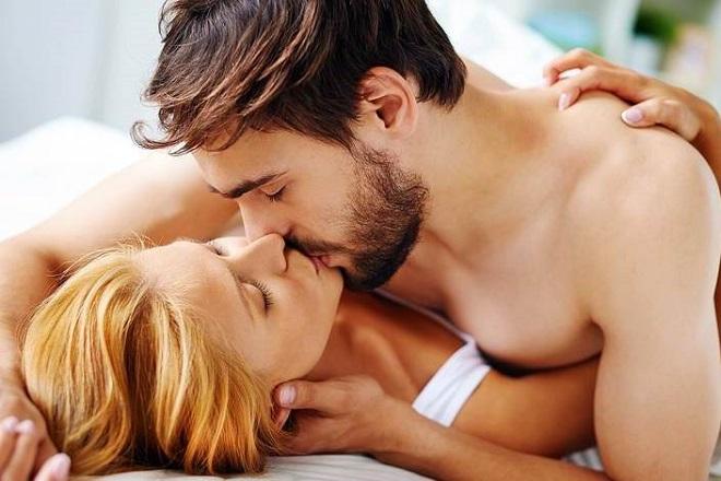 hôn nhau đắm đuối