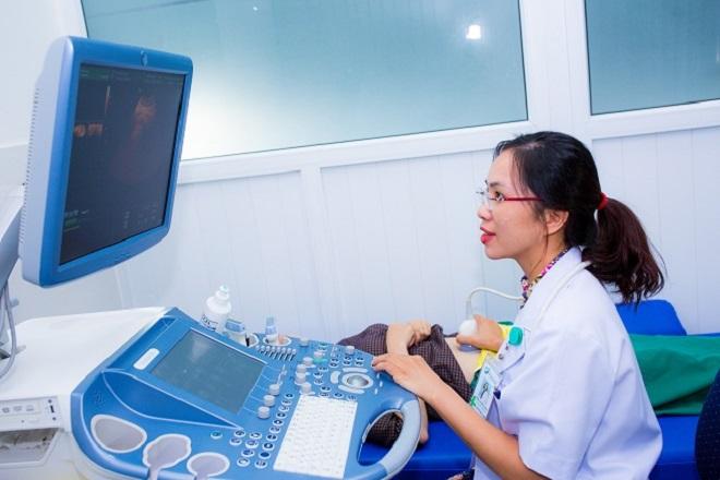 Quy trình khám lâm sàn cho nữ giới