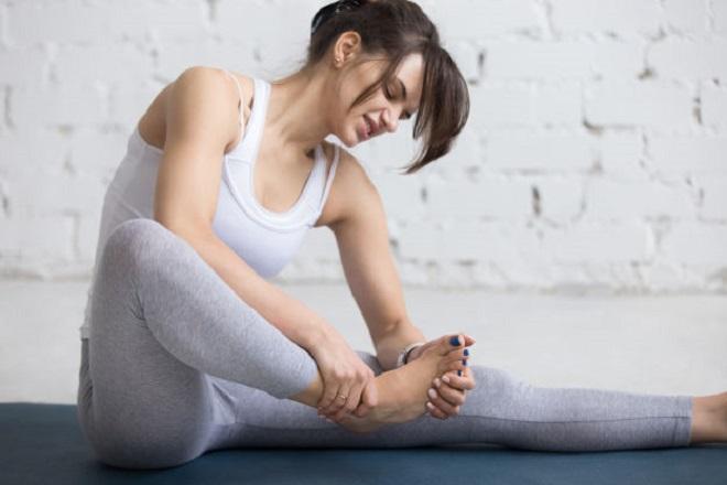 không chữa trị tê chân sau khi sinh kịp thời có thể khiến mẹ có nguy cơ bị tê liệt chân