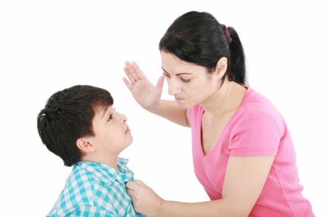 mẹ đơn thân bạo lực con cái