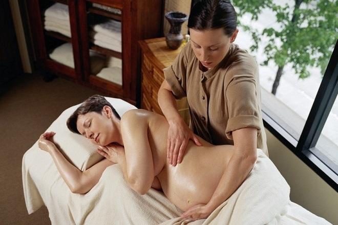 massage thư giãn khi mang thai