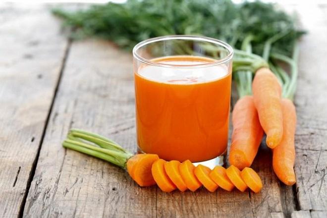 mặt nạ đắp ngực từ nước ép cà rốt