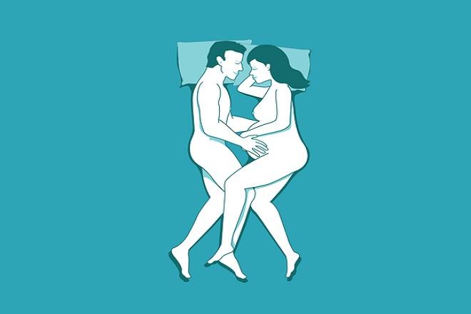 quan hệ khi mang thai an toàn với tư thế hai cây kéo
