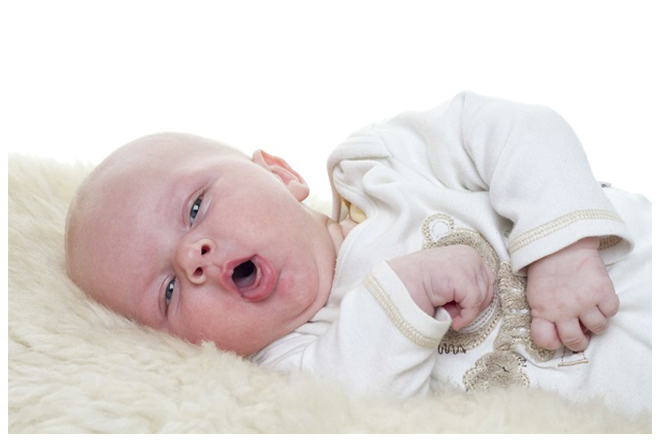trẻ ho kèm sốt khi bị sởi