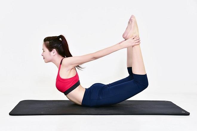 tư thế cái cung trong yoga