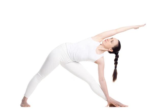 tư thế tam giác trong yoga