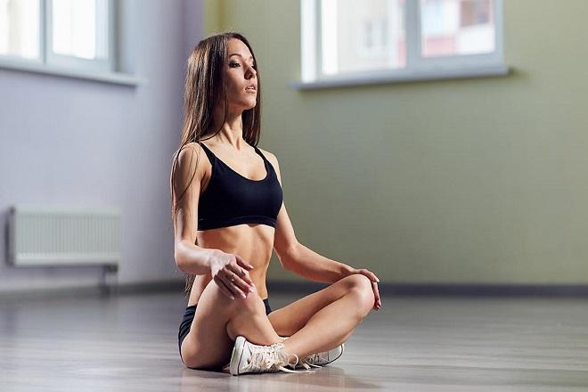 Giảm cân sau sinh bằng bài tập thở bụng
