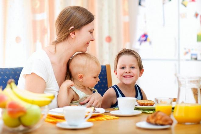 bữa ăn cùng với con cái