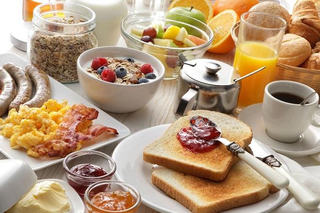 bữa ăn sáng thịnh soạn