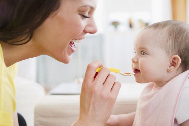 bé sơ sinh 4 tháng tuổi không tăng cân