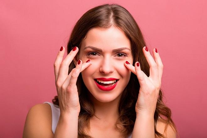 Cách massage chăm sóc da mặt cho các mẹ sau sinh
