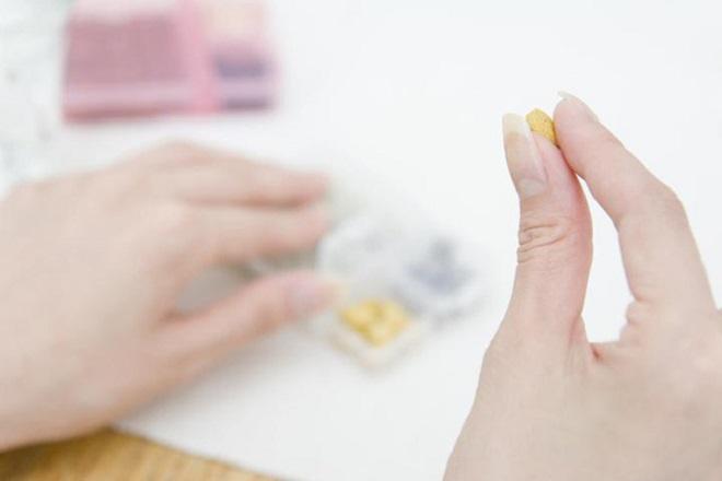 mẹ có thể cân nhắc dùng thuốc giảm đau sau sinh mổ để cảm thấy thoải mái hơn
