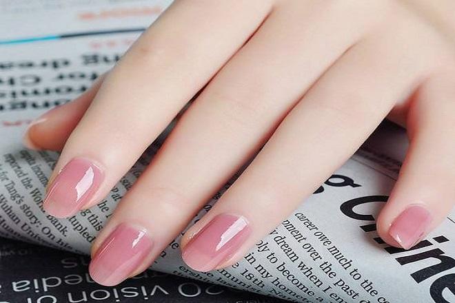 Kiểu móng tay màu pastel