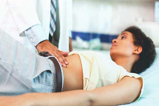 sau khi sơ cứu cần đưa bệnh nhân bị băng huyết nhập viện nhanh chóng
