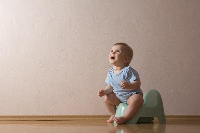 trẻ sơ sinh 4 ngày không đi ngoài