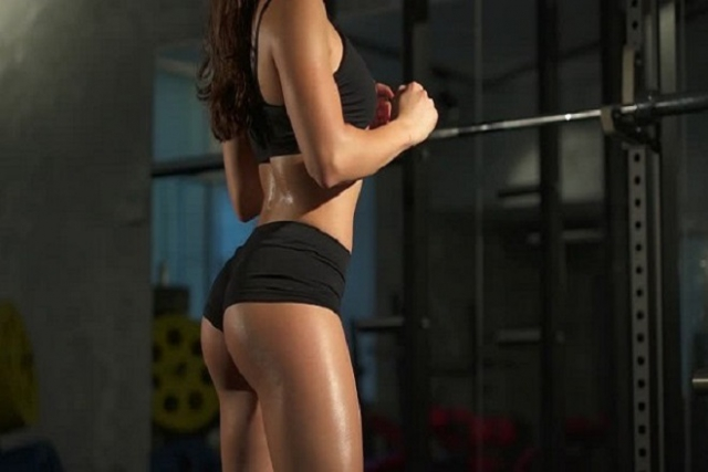 Bài tập squat tăng vòng 3