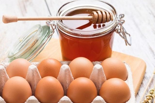 mật ong và trứng gà