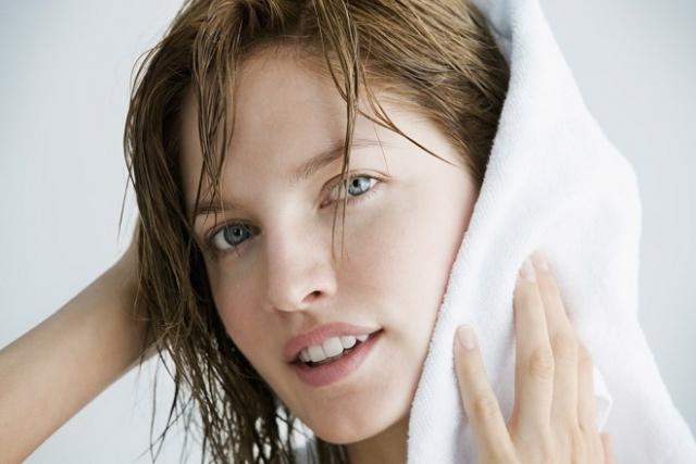 nên dùng khăn sạch lau khô người sau khi xông hơi