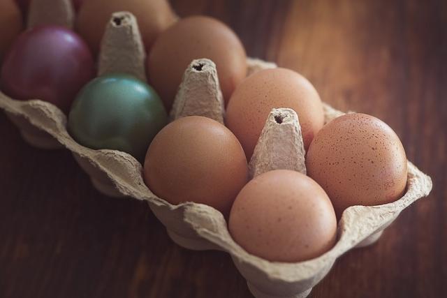 những quả trứng gà