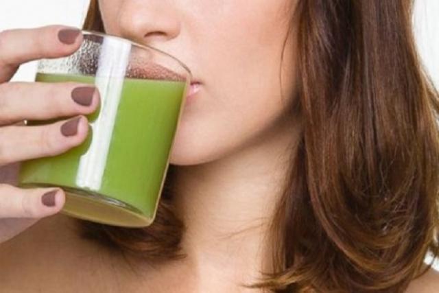 phụ nữ sau sinh uống nước rau má tốt không