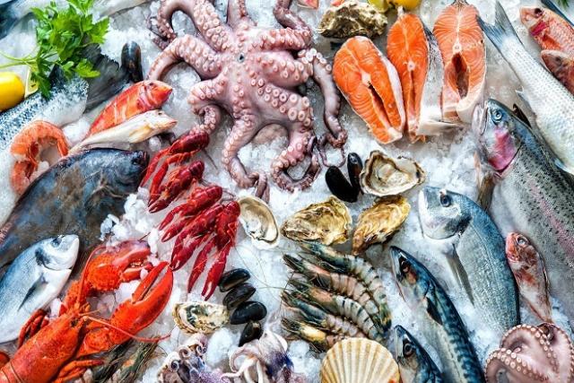 sau sinh mổ kiêng ăn đồ tái và hải sản