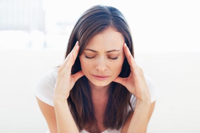 sự căng thẳng stress sau sinh cũng ảnh hưởng xấu đến hệ tiêu hóa của các mẹ