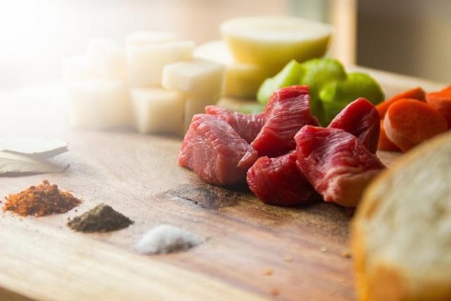 thịt bò và rau củ