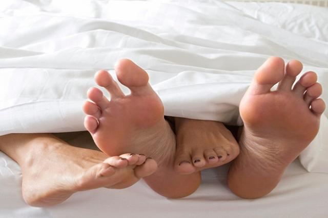 Thử các tư thế quan hệ giúp mang song thai.
