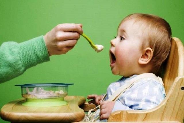 bữa ăn của trẻ không nên kéo dài