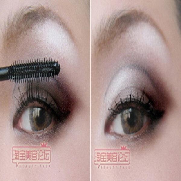 chải mascara và gắn mi giả trang điểm hốc mắt sâu