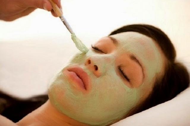 đắp mặt nạ là cách dưỡng da cho mùa đông