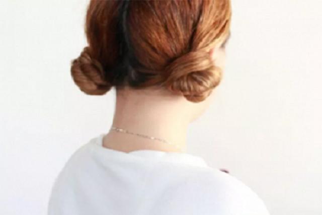làm xoăn tóc nhẹ ở đuôi