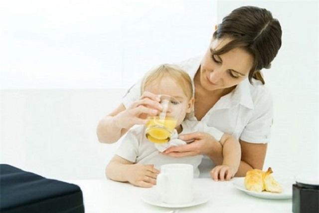 liều lượng sinh tố cho bé dưới 1 tuổi