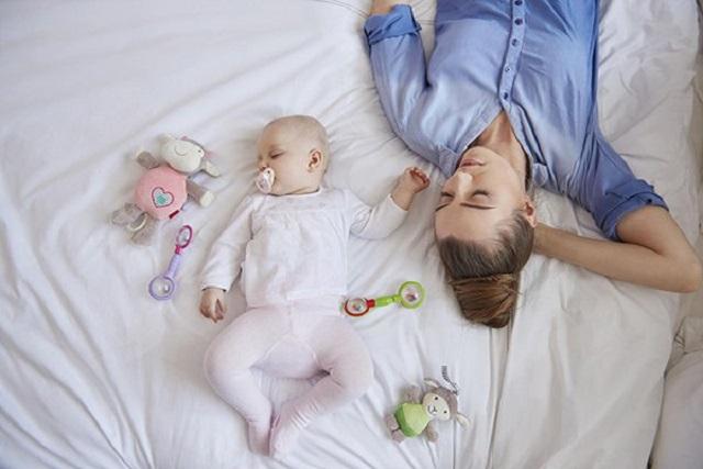 luyện cho trẻ tự ngủ