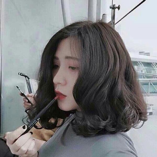 tóc bob uốn xoăn
