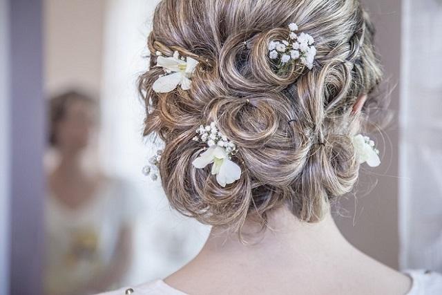 tóc búi cô dâu