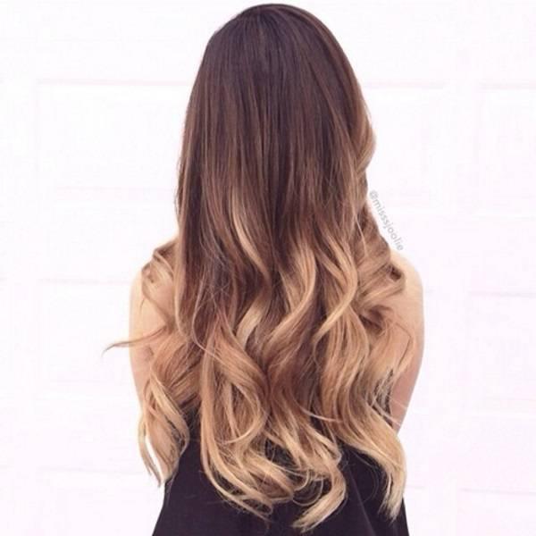 tóc dài uốn lọn to