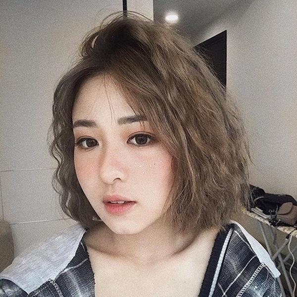 tóc uốn bím ngắn