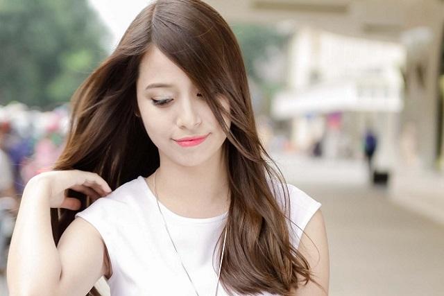 tóc uốn gợn sóng đuôi