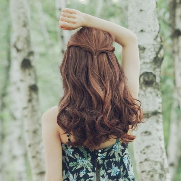 tóc uốn gợn sóng ngang vai